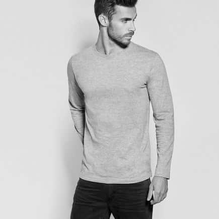 camiseta larga hombre